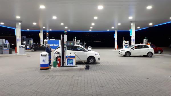 distributore metano h24 Perugia
