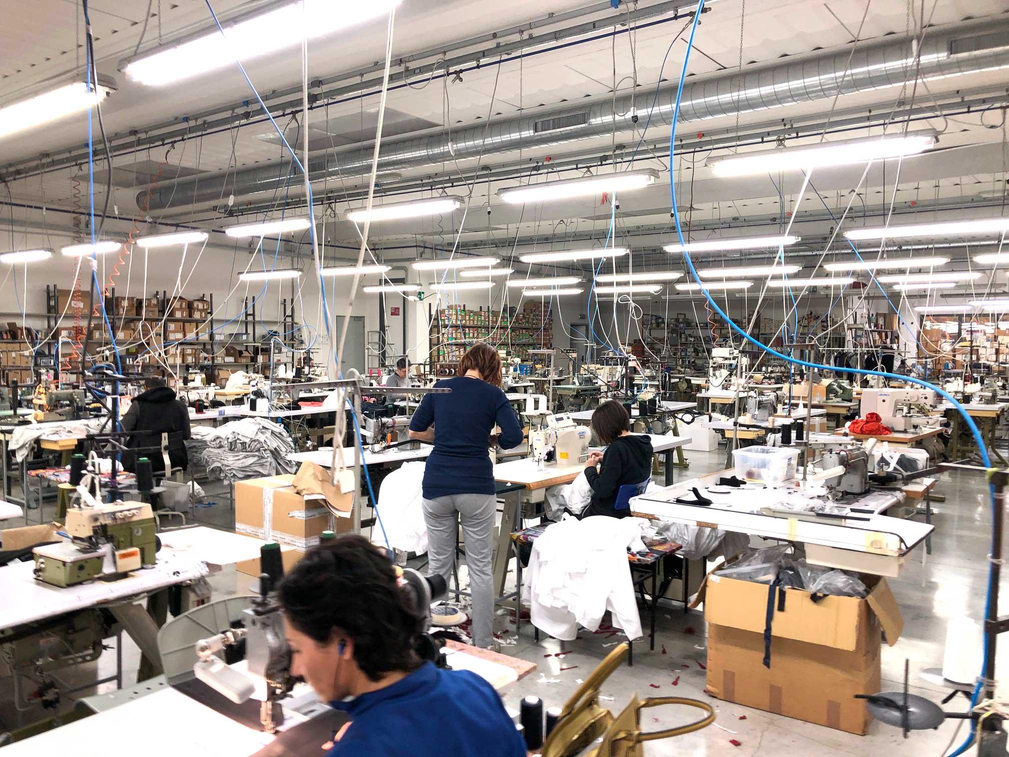 Lavorazione di capi in jersey a Porto Recanati