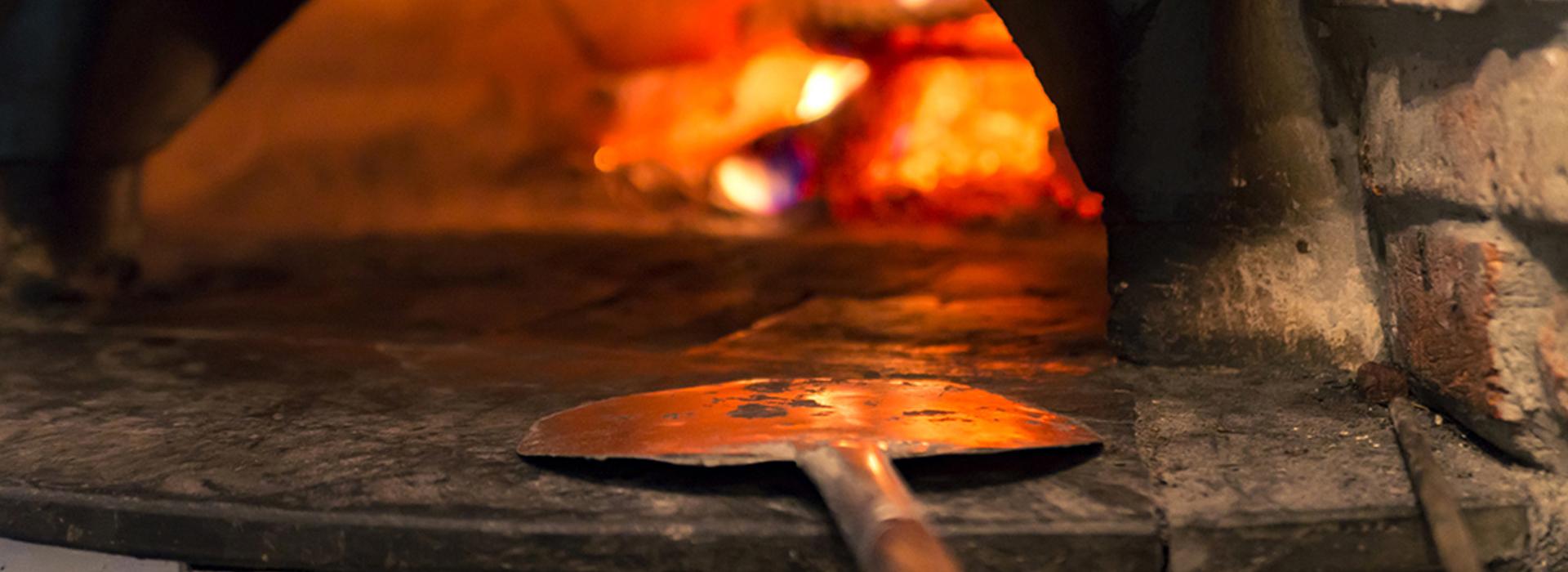 Pizzeria con forno a legna Marsala Trapani