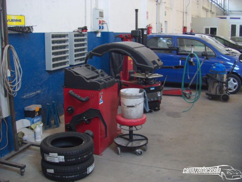 Attrezzature riparazioni auto