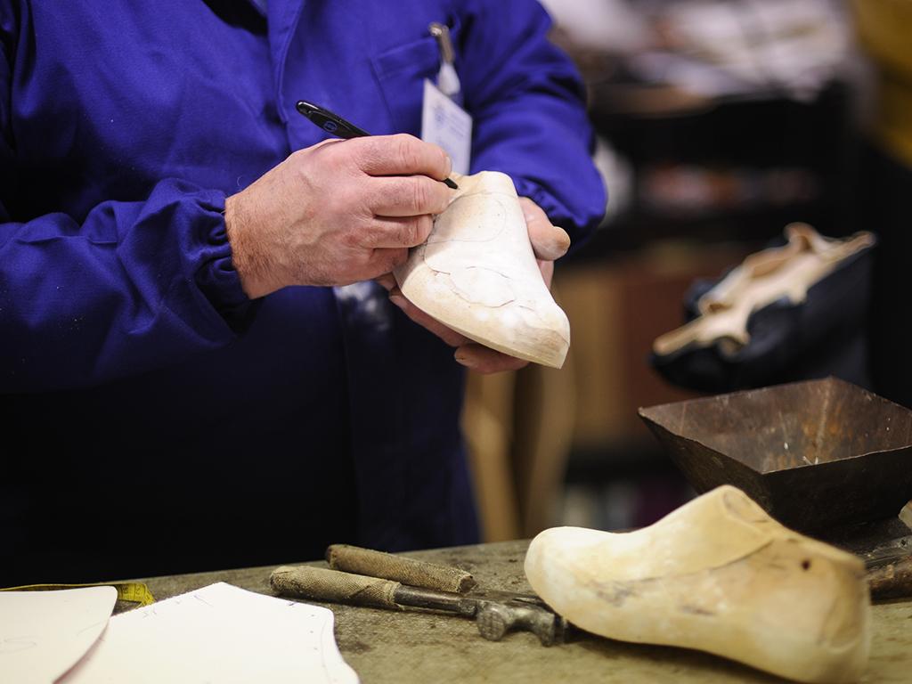 Calzature ortopediche su misura Siena