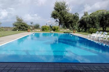 costruzione piscina con skimmer