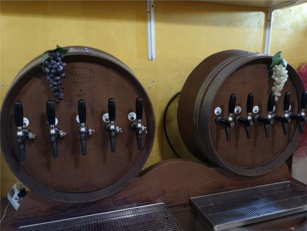 botti vino di manduria casa del primitivo bari