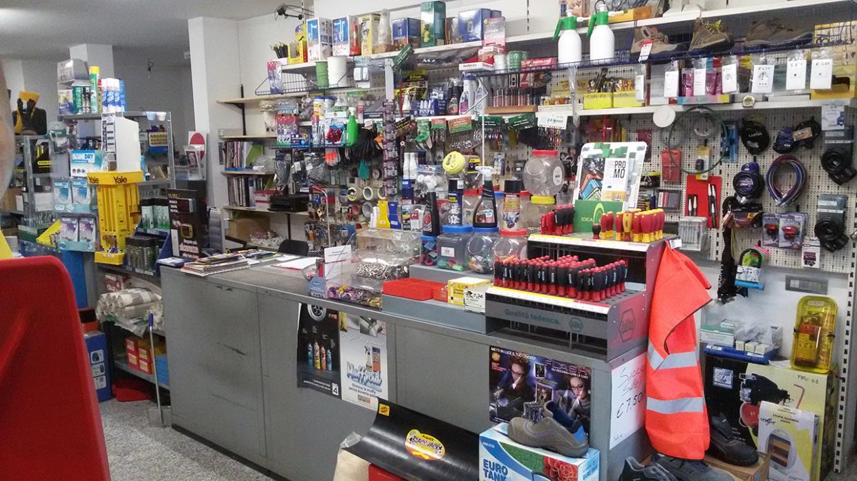 Interno negozio ferramenta