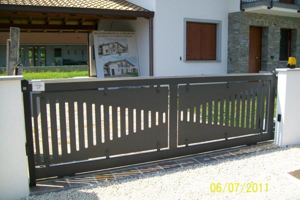 Cancello su misura in lamiera di ferro | Muzzana del Turgnano | Udine | Pordenone | Trieste | Gorizia