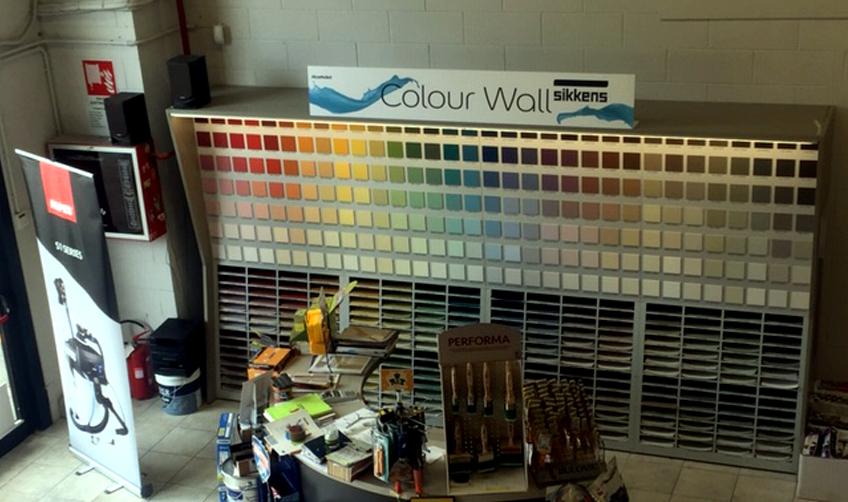Interno colorificio