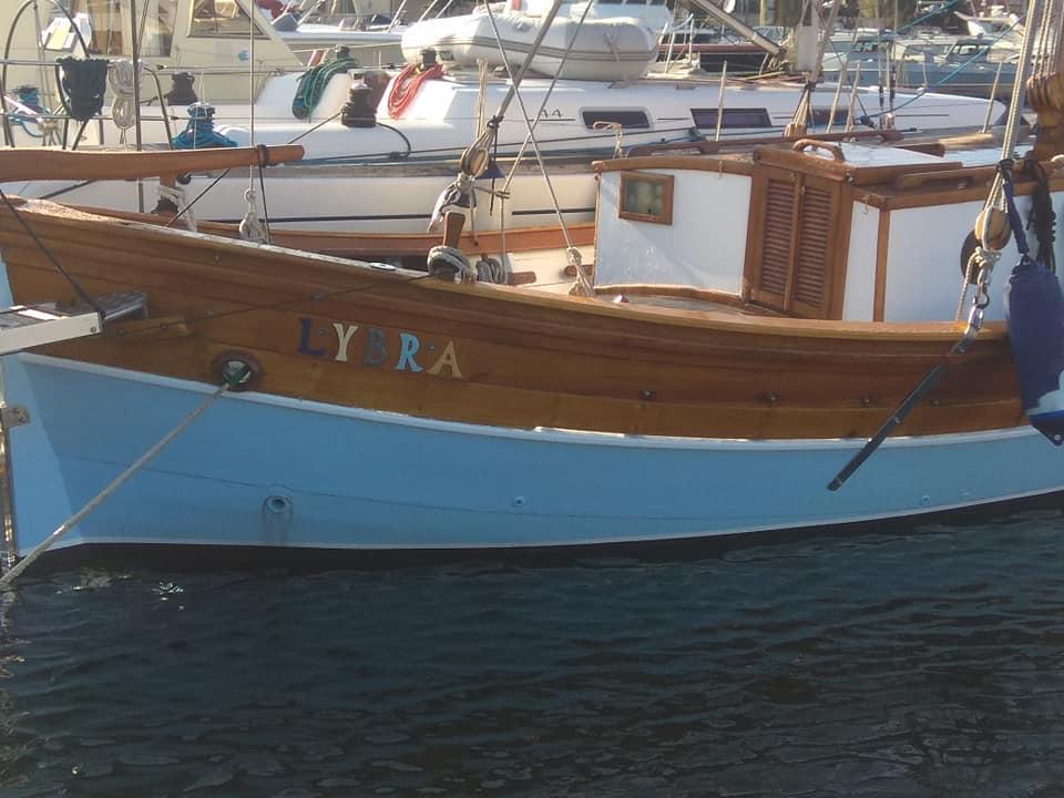 motoveliero d'epoca Sardegna