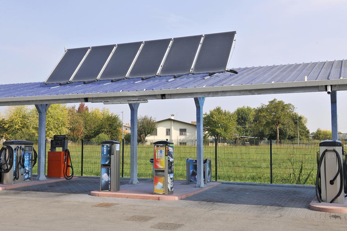 Supporto per pannelli solari fotovoltaici