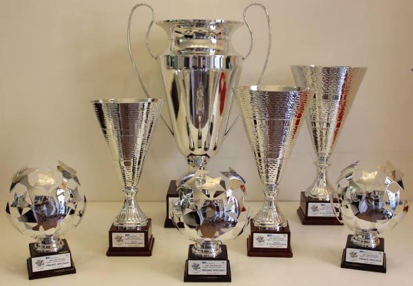 coppe e trofei per competizioni sportive ancona