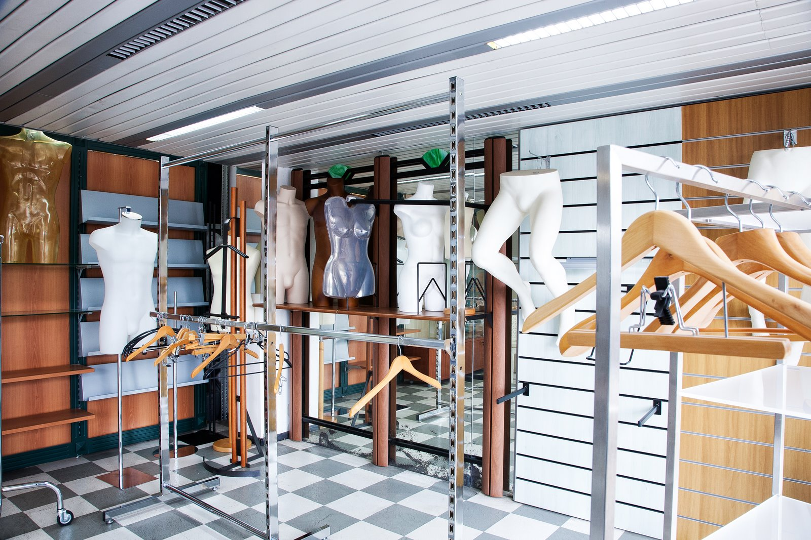 Scaffalature e armadi metalliche per magazzini e archivi
