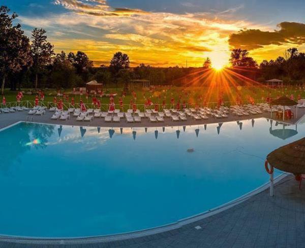aperitivo in piscina Brescia