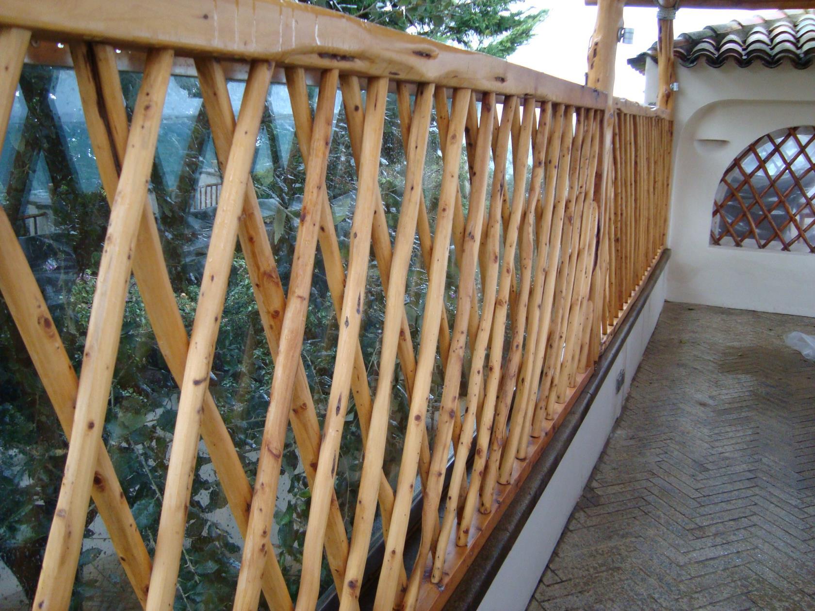 Grate e cancelli in legno