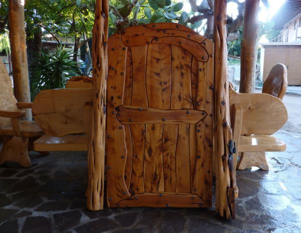 Grate e cancelli in legno Arzachena Sassari