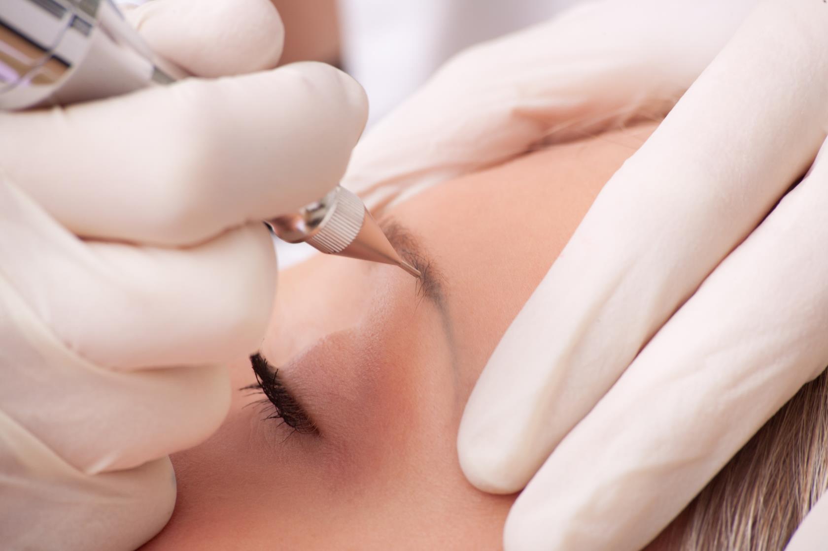 Permanent make-up sopracciglia