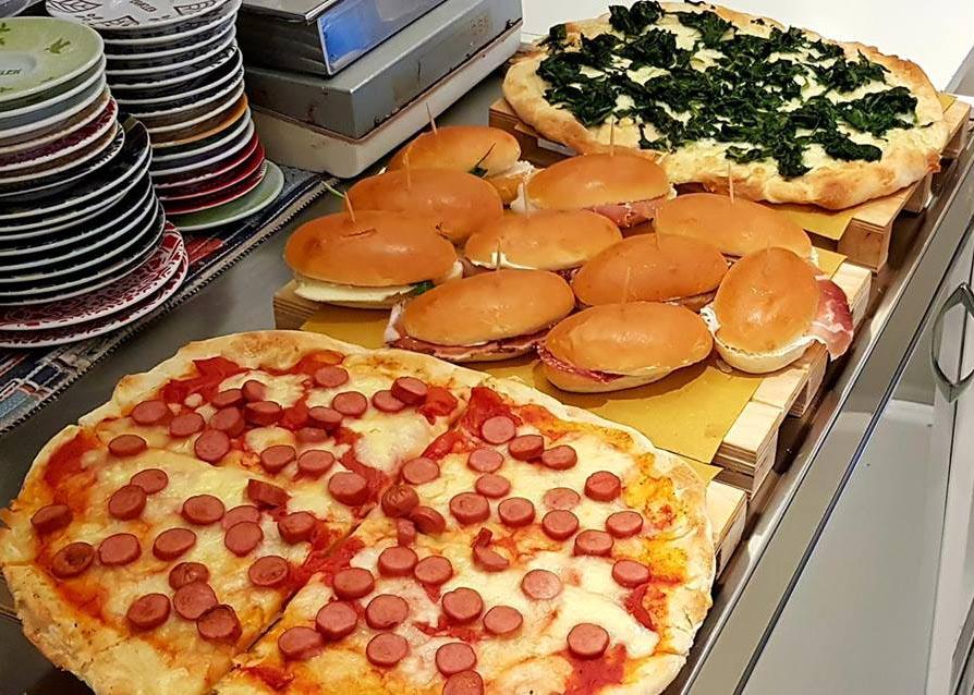Pizza, panini e specialità salate Gelateria del Conero