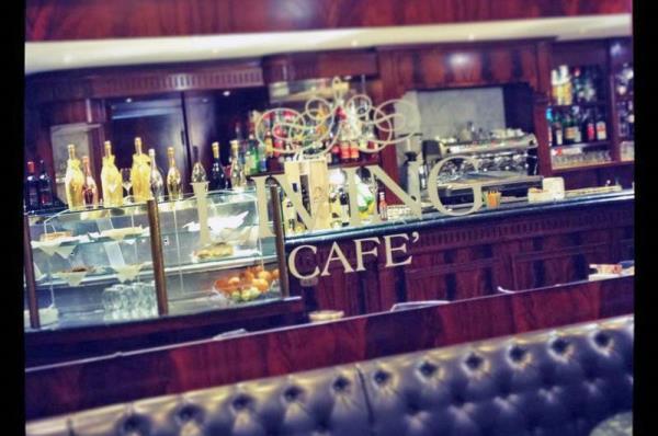 locale caffè e aperitivi