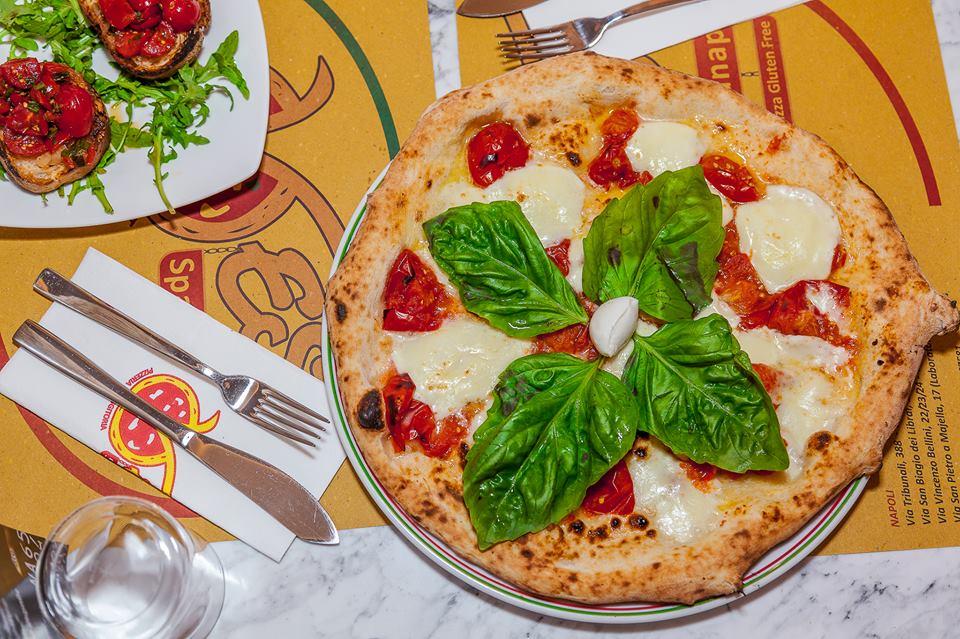 Pizzeria hamburgeria friggitoria Pizzeria Vesi Spaccanapoli