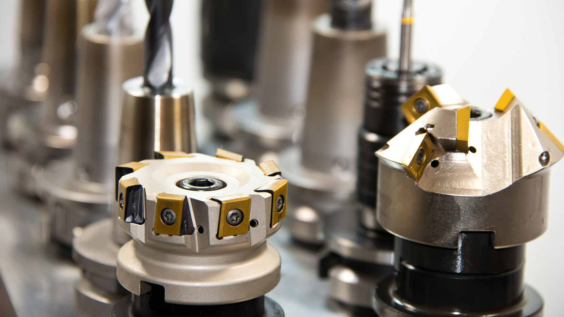 lavorazione componenti in leghe metalliche Officina Meccanica Cirlini