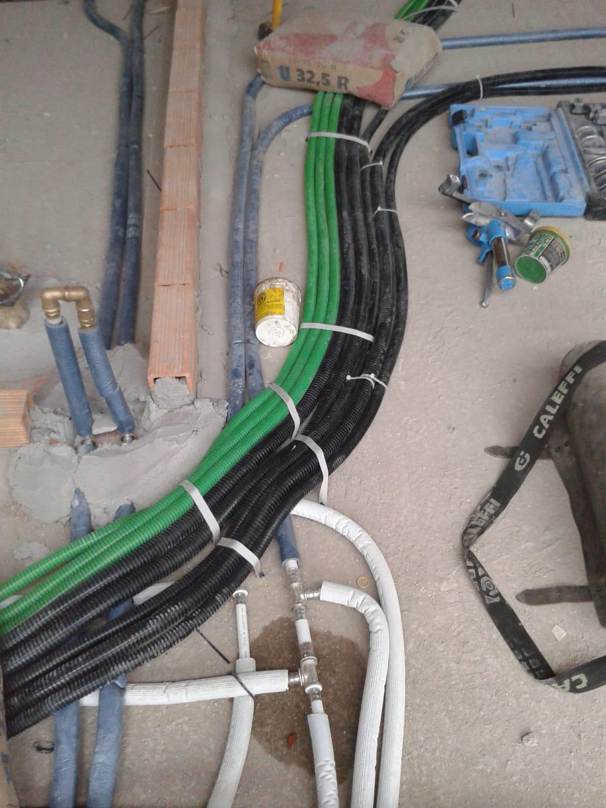 Assistenza impianti idrici ed elettrici Fraternali Cristian Impresa edile