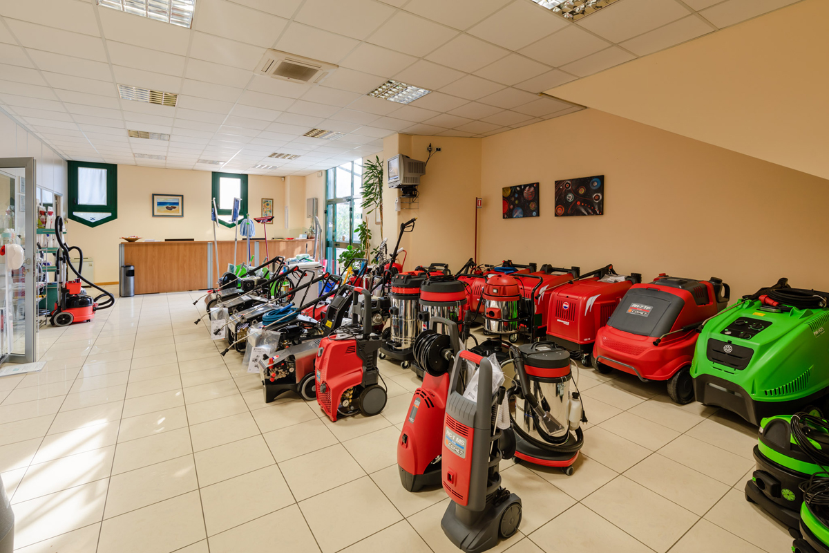 vendita macchinari pulizia industriale
