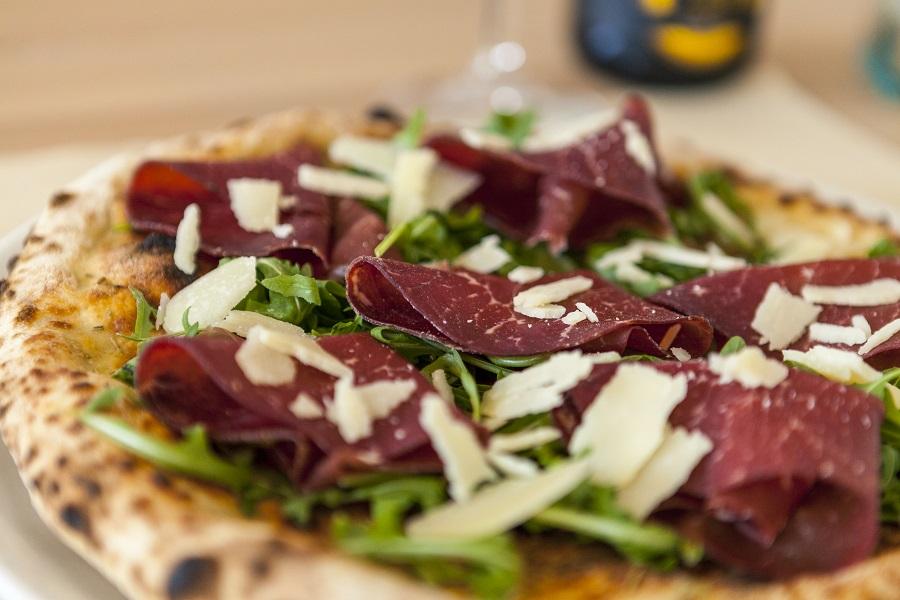 pizzeria con forno a legna Cartoceto
