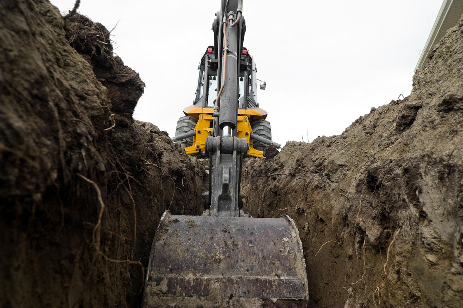 Riparazioni e ricambi macchine movimento terra Fast Edil