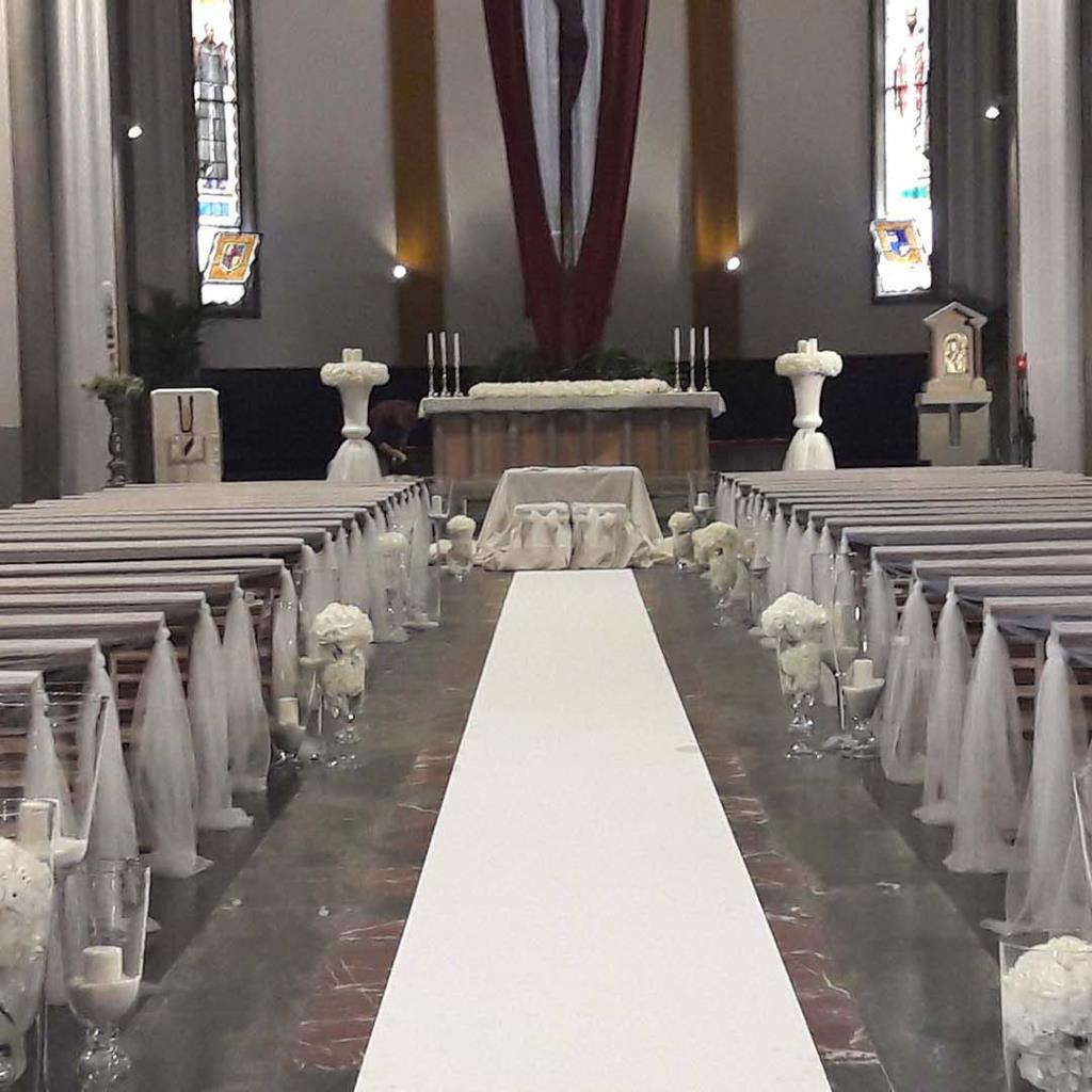 Allestimento floreale chiesa Fiorista Laila