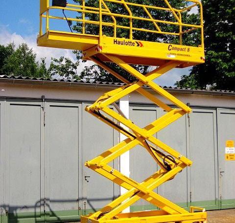 Lista Noleggio Veicoli disponibili per il noleggio Home Piattaforma Verticale Elettrica Compact 8 Piattaforma Verticale Elettrica Compact 8 Haulotte