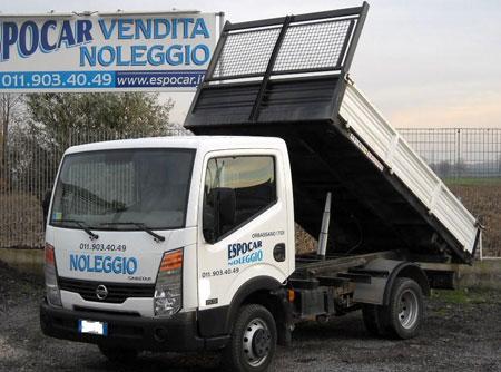 Autocarro Ribaltabile Cassone Ribaltabile Trilaterale, Sponda In Ferro O Alluminio