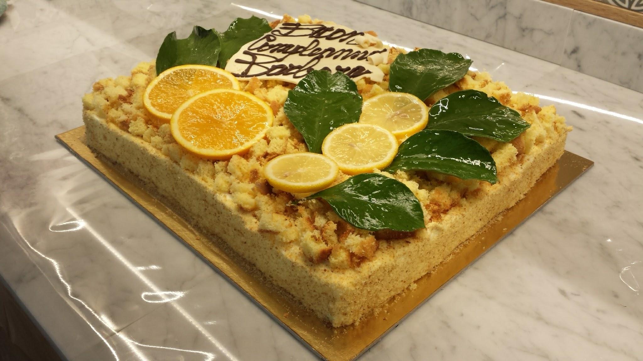 Pasticceria al limone, senza glutine a La Madia di Torino
