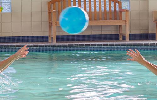 Attività in piscina per disabili