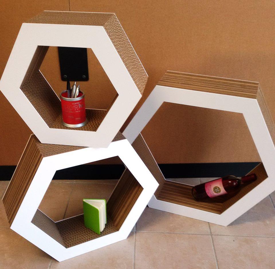 espositori in forme geometriche