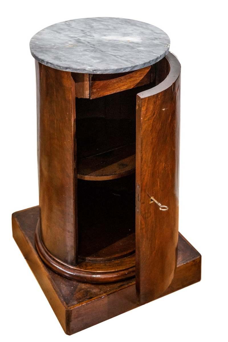 Comodino a cilindro, mogano, Francia, epoca Impero