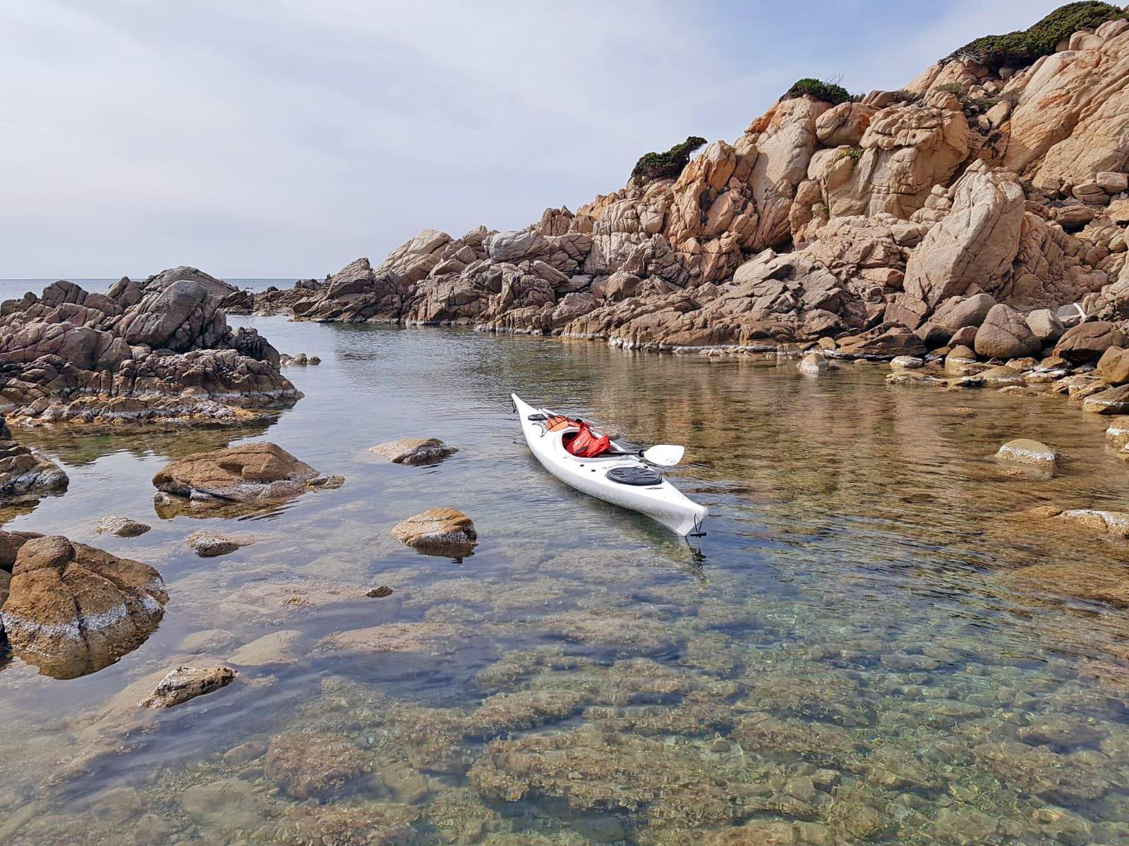 Canoe di Ajò Kayaking in spiaggia