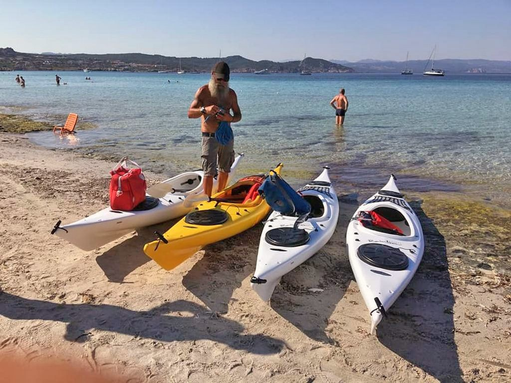 Ajò Kayaking pronti a partire