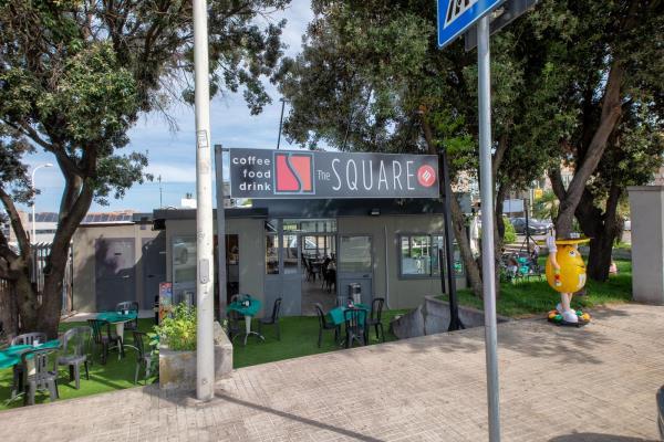 bar con tavolini dehors Sassari