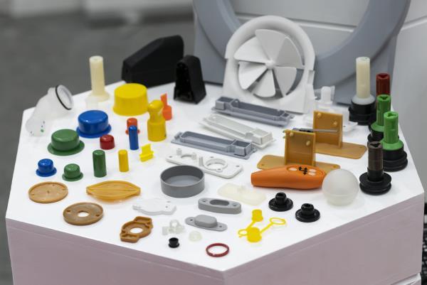 microstampaggio plastiche bergamo