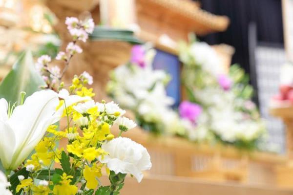 addobbi floreali funebri cagliari