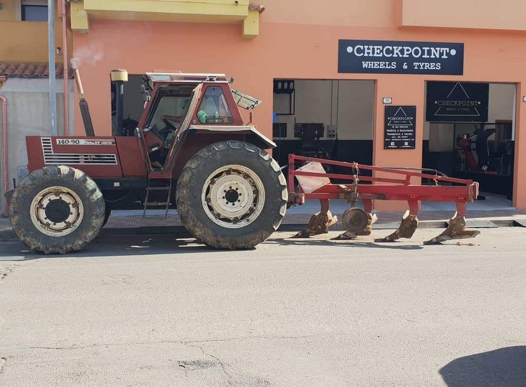 Checkpoint gommista mezzi agricoli Sestu
