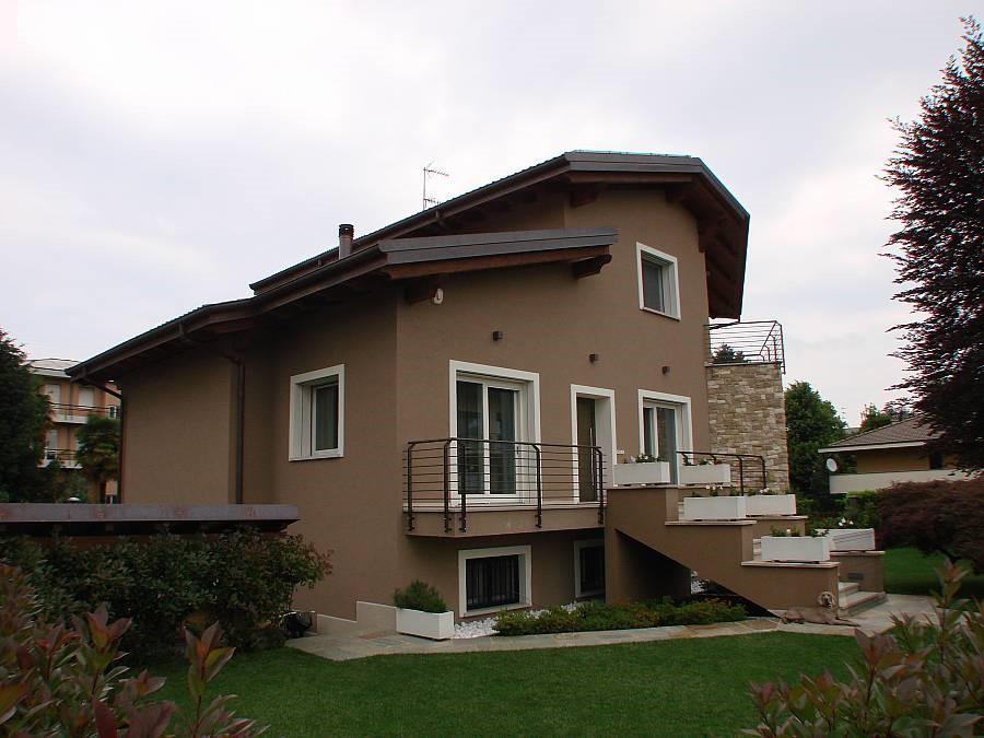 Vendita infissi per abitazioni private Ferla F.lli Falegnameria