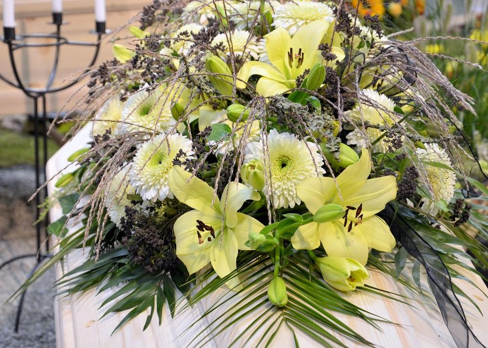 composizioni fiori marinelli agenzia funebre