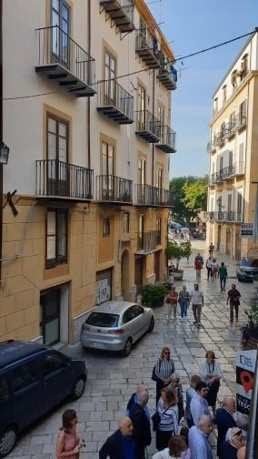Casa vacanze in centro con parcheggio privato gratuito Ponticello House Palermo