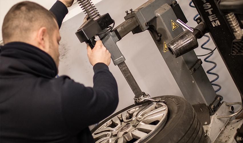 Sostituzioni e riparazione gomme auto Busso Garage