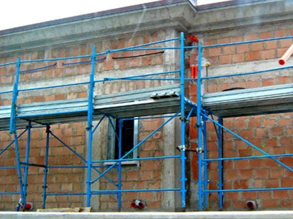 Azienda specializzata nella progettazione ponteggi edili Nova Coperture Edil