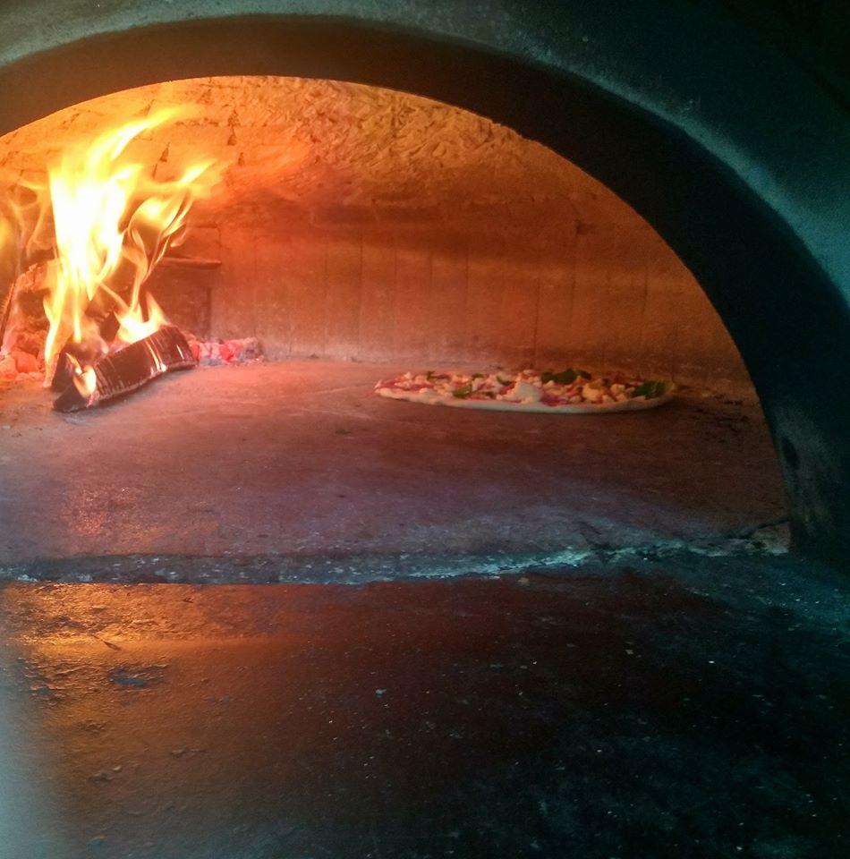 pizzeria forno a legna napoli