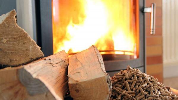 stufa a pellet o a legna Termosfera Onifai