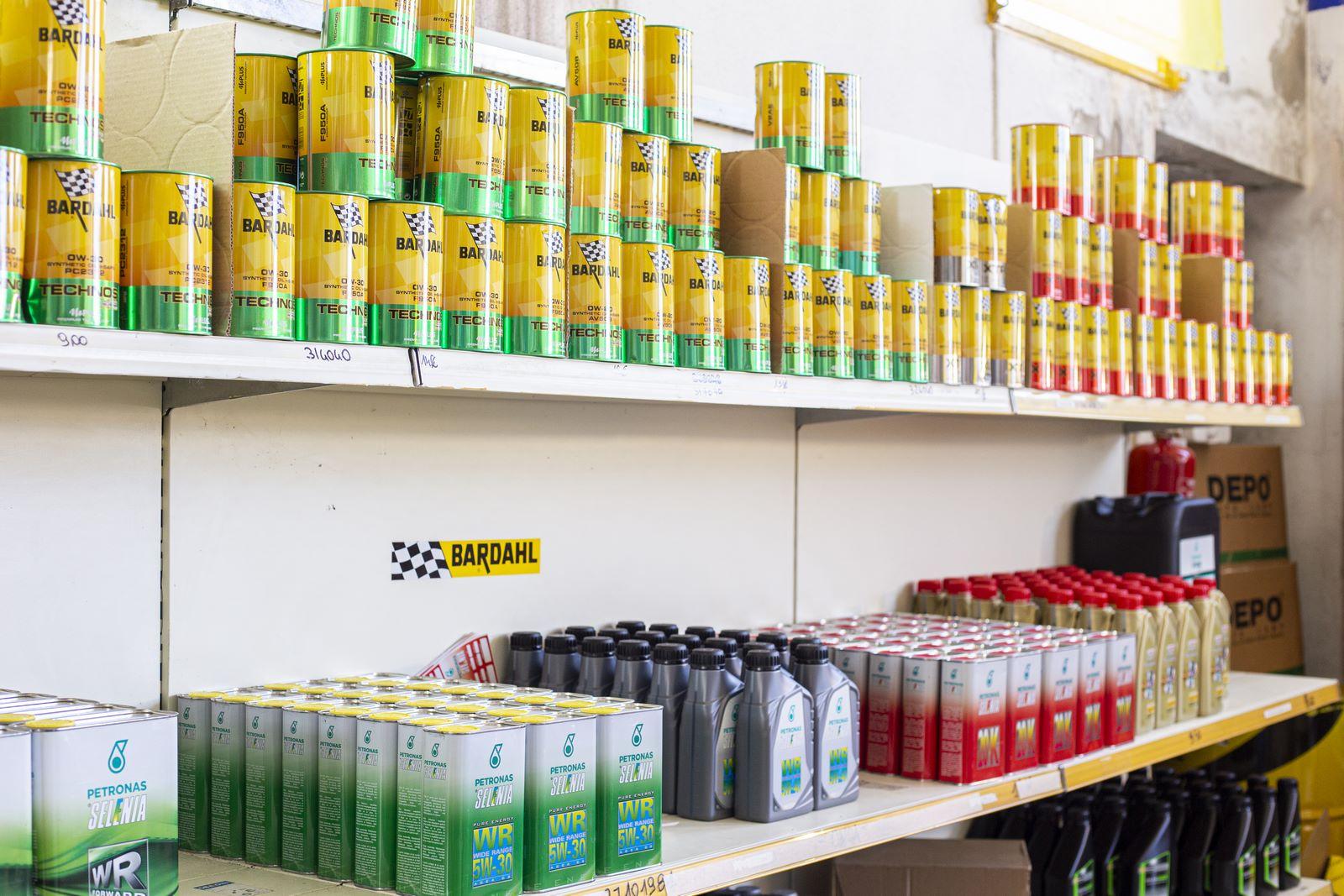 Prodotti auto, veicoli commerciali<br>Batterie e Lubrificanti