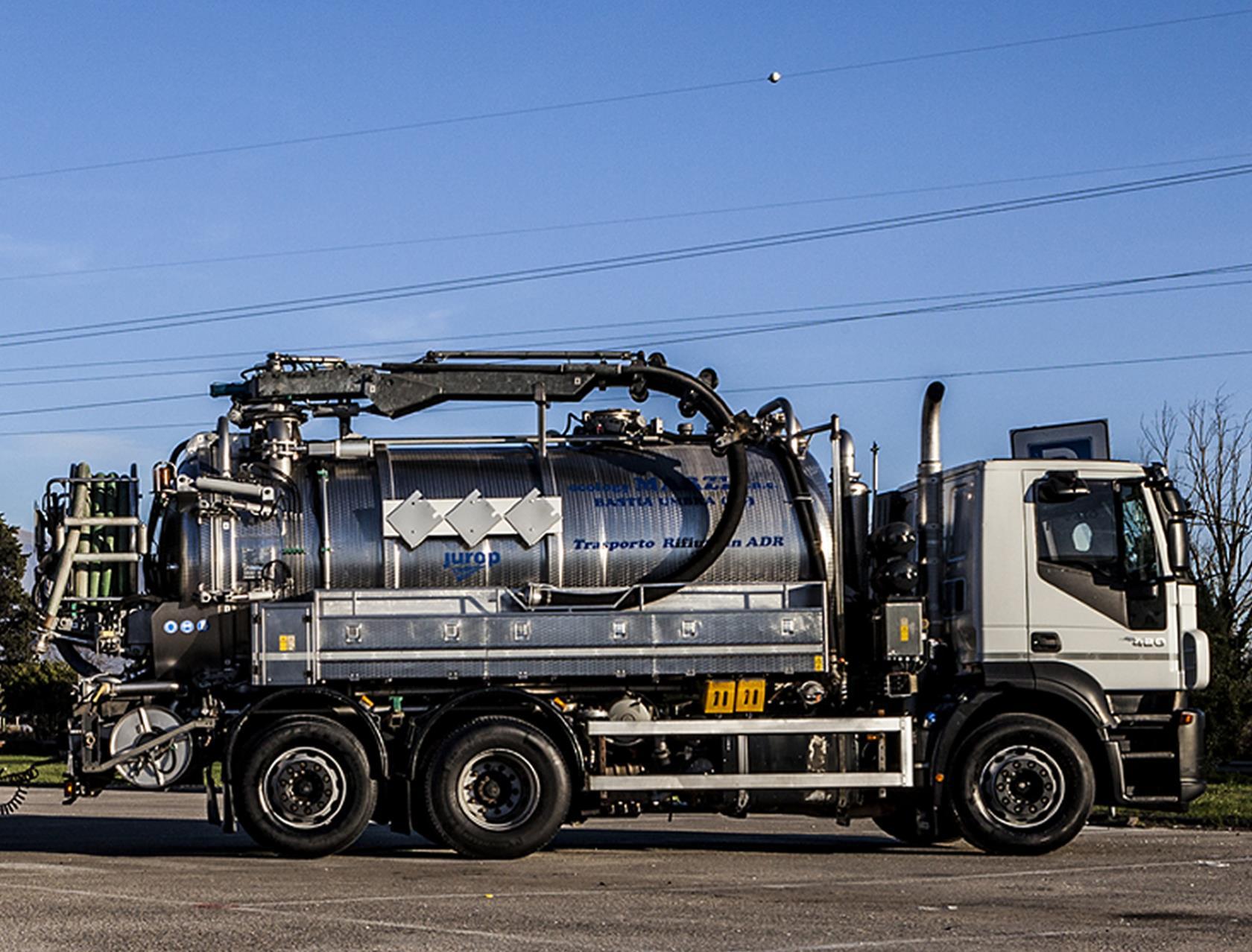 Smaltimento rifiuti industriali e trattamento liquami Ecology Marzi