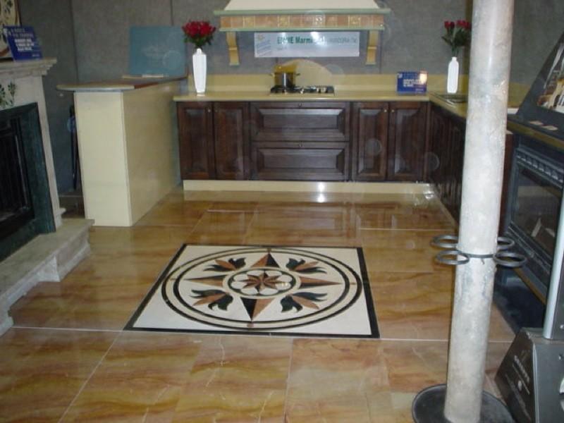 Rosa dei venti pavimento lavorazioni e realizzazioni in marmo Manduria Taranto Emme Marmi Srl