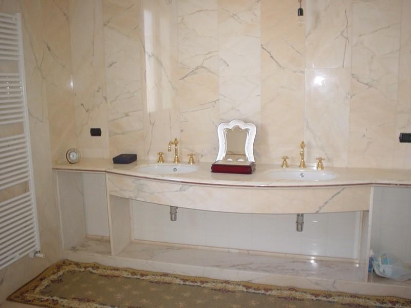 Bagno appartamento lavorazioni e realizzazioni in marmo Manduria Taranto Emme Marmi Srl